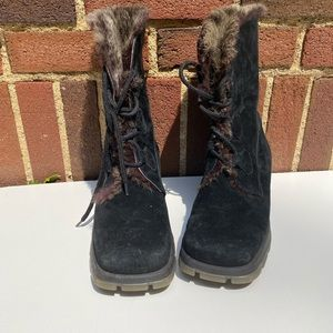 Blondo Suede Lace up ankle Fur Lined Boots Size 10